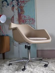 Robin Day Design - Swivel Armchair