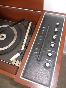 Phillips AM Radio and Record Player